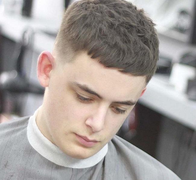 cắt tóc đầu tháng