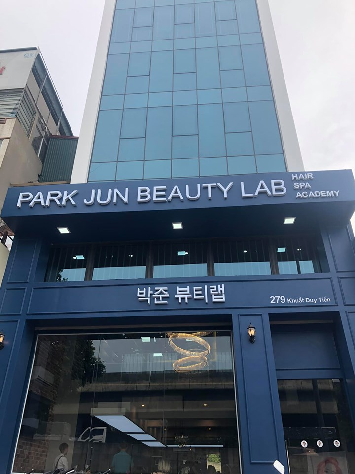 Salon-Park-Jun-Beauty-Lab-279-Khu%E1%BA%A5t-Duy-Ti%E1%BA%BFn-H%C3%A0-n%E1%BB%99i