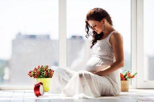 Mẹ bầu có nên làm tóc không? Có ảnh hưởng đến thai nhi không?