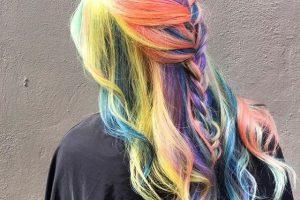Là con gái, hãy thử màu tóc cầu vồng ít nhất một lần trong đời bạn nhé!